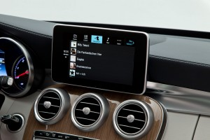 Mercedes-Benz Apple CarPlay Musik