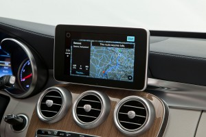 Mercedes-Benz Apple CarPlay Navigation