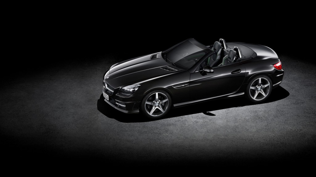 Mercedes-Benz SLK carbonLOOK in Schwarz von oben