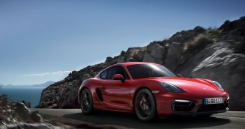 Porsche Cayman GTS fahrend