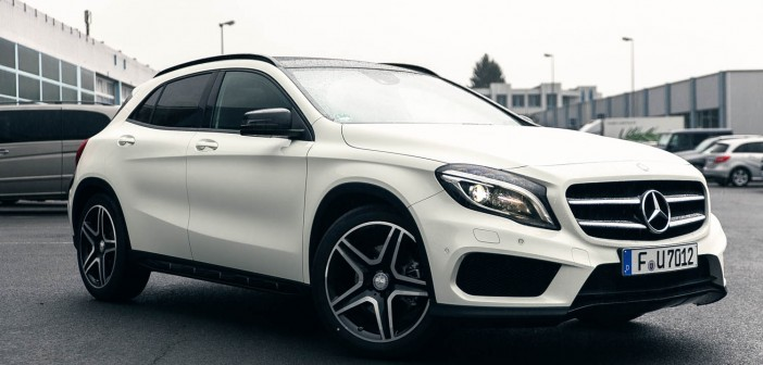 Mercedes-Benz GLA (X156) 2014 Front in weiß