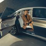 BMW_Vision_Future_Luxury_Fond_Tuer-offen_Exterieur-Inerieru