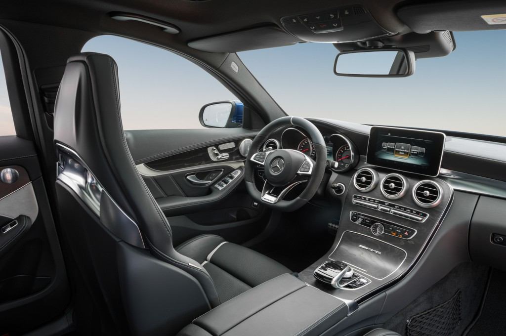 mercedes-benz_c-63-amg_t-modell_s205_brilliantblau metallic-14_interieur
